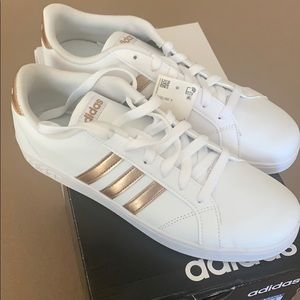 Adidas Baseline K tennis shoes
